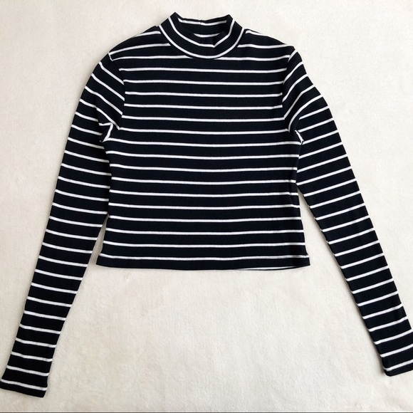 2ed06b5d216a1 H M Tops - H M Divided Striped Long Sleeve Crop Top ...